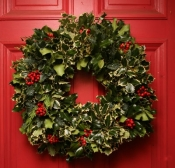 Victoria Magazine Wreath 16""