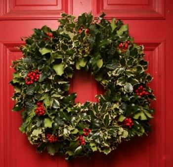 "Victoria Magazine Wreath 16"""